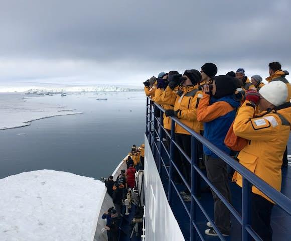 Ocean Adventurer - Arctic Ship