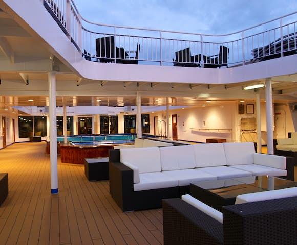 Ocean Endeavour - Arctic Ship