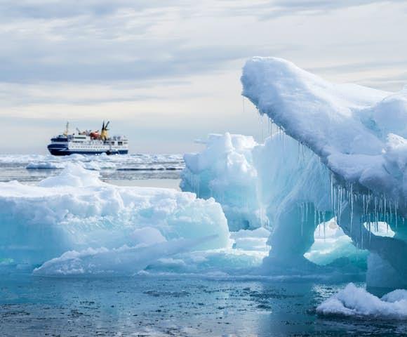 Ocean Nova - Arctic Ship